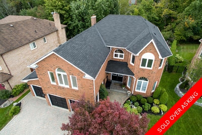 Prestigious Dream Home In Pickering On Ravine Lot: 5 Bed, 4 Bath, Finished Basement